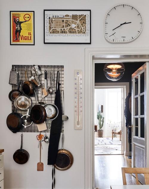 """Ett """"redskapsgalleri"""" skapat av designern och smeden Torgil Duncansby blir ett användbart konstverk på köksväggen."""