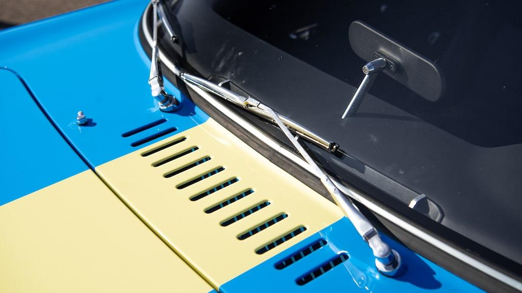 Original vindrutetorkare hör till det fåtal detaljer som faktiskt är gemensamt för gamla Volvo P1800 och nya P1800 Cyan.