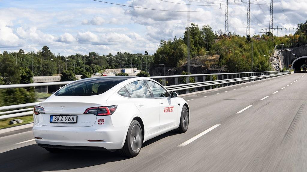 En trött liknelse: men Tesla Model 3 är bilvärldens iPhone.
