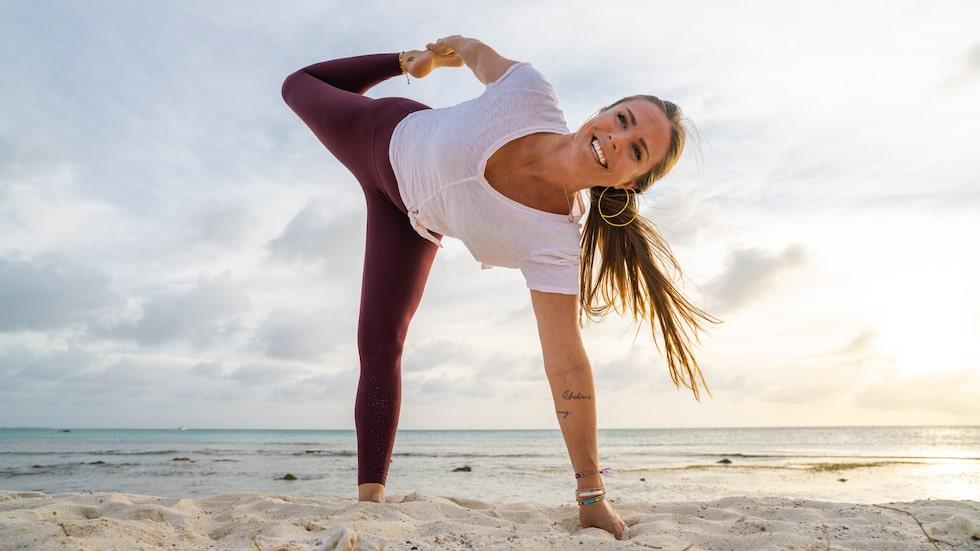 """För Rachel är det viktigt att vara mer än en perfekt yogaprofil: """"Jag kände snart att jag inte bara ville stå på händer och dricka färgglada fruktjuicer""""."""