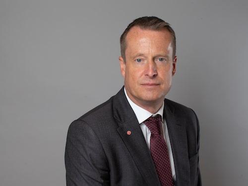 Anders Ygeman vill se en förbättring av infrastrukturen kring landets laddstationer