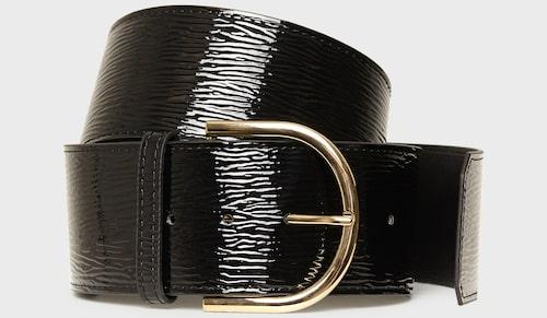Midjeskärp av metall/läderimitation, Nly Accessories.