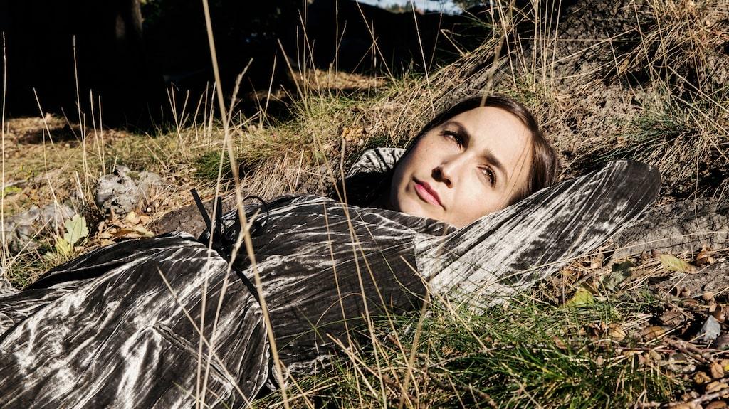 Sahara Hotnights Maria Andersson Lundell skriver själv om sin pappas bortgång i cancer.