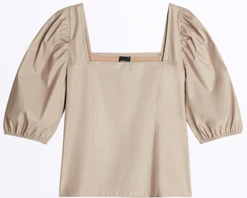 Blus med puffärm i beige fuskskinn från Gina Tricot. Klicka på bilden och kom direkt till blusen.