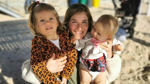 Lisa med döttrarna Ella och Matilde.