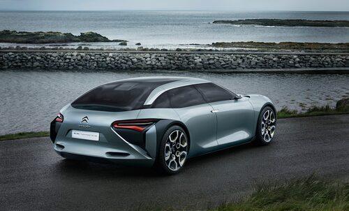 Konceptet Citroën CXperience visades 2016, en bil nya C5 hämtar formerna från.