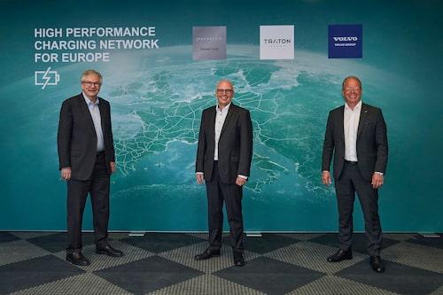 Från vänster: Daimler Trucks Martin Daum, Traton Groups Matthias Gründler och AB Volvos Martin Lundstedt.