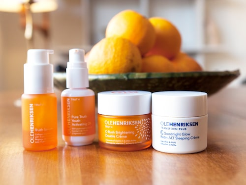 NANNA BLONDELLS DAGLIGA RUTIN. Hudvårdsrutinen från Ole Henriksen består av C-rush brighteing crème, Truth serum och Pure truth youth activating oil.