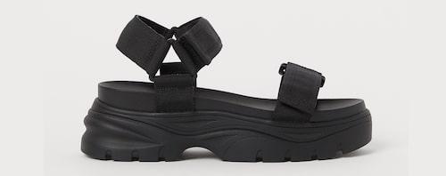 Sandaler med grov sula.