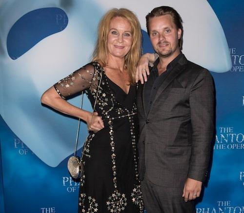 Maria Lundqvist, 57, är förlovad med 21 år yngre Kristoffer Hellström.