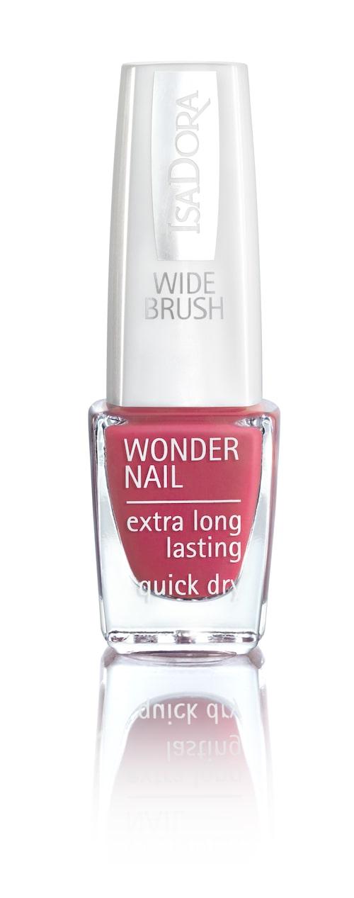 Härlig färg på nagellacket från Isadora.