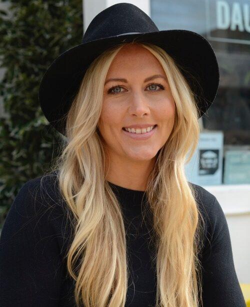 Elin Nyberg är hårstylist och bröllopsconcierge på Dashl.