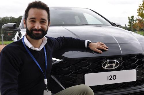 Andrea Manglaviti, affärsmässig projektledare Hyundai.