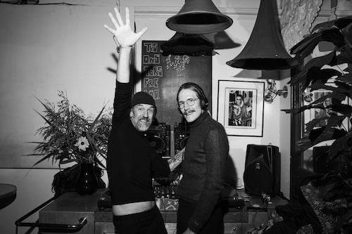 Konstnären Pontus Djanaieff och modekonsulten Petter Lundgren.