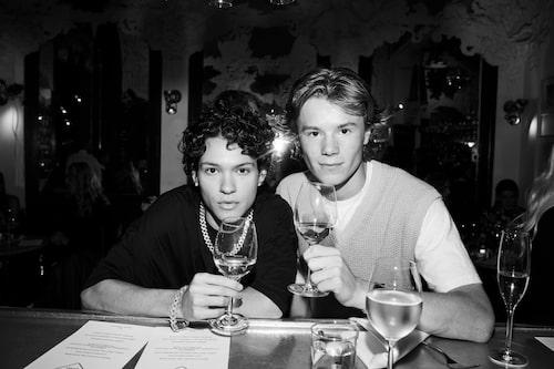 Edvin Ryding och Omar Rudberg från tv-serien Young Royals.
