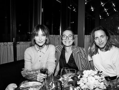 Pr-proffset Camilla Modin, galleristen Marina Stina Lönnkvist och Nina Siemiatkowski, grundare av Miklywire.