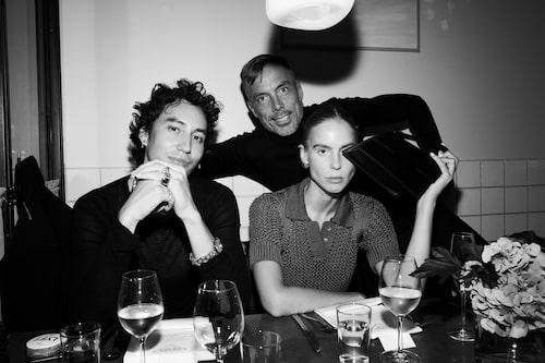 Modeprofilerna Qhris Magsino, Hilda Sandström och Daniel Lindström.