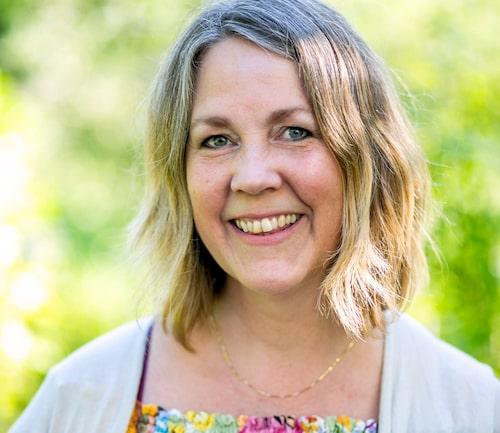Helén Bjurberg, 48, är barnsjuksköterska och frilansjournalist. Hon bor med sin man och deras fyra barn i Stockholm.