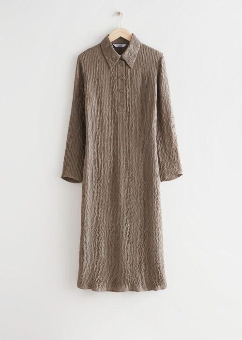 Midiklänning med textur från & Other Stories.