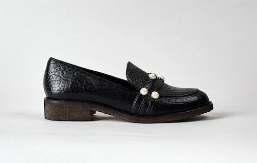 Loafers med pärlor från Blankens