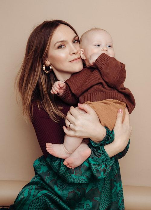 Att våga vara ärlig mot sina barn, och visa att man är en person med många sidor, har hjälpt Brita Zackari i hennes föräldraskap.