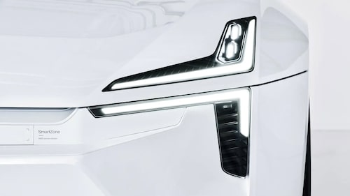 Konceptbilen Precepts front är utrustad med flera olika typer av sensor. Området har man valt att döpa till SmartZone.