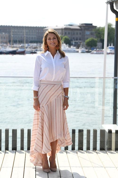 """Prinsessan Madeleine vid lanseringen av barnboken """"Stella och hemligheten"""" på Junibacken, 2019."""
