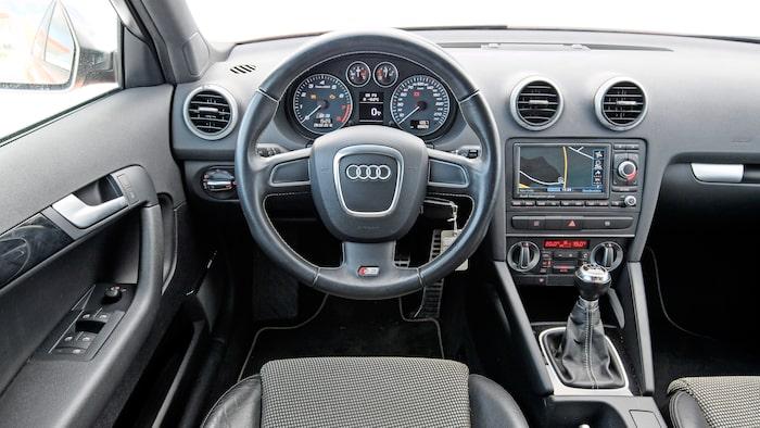 Audi-interiören är som vanligt ergonomisk och välbyggd.