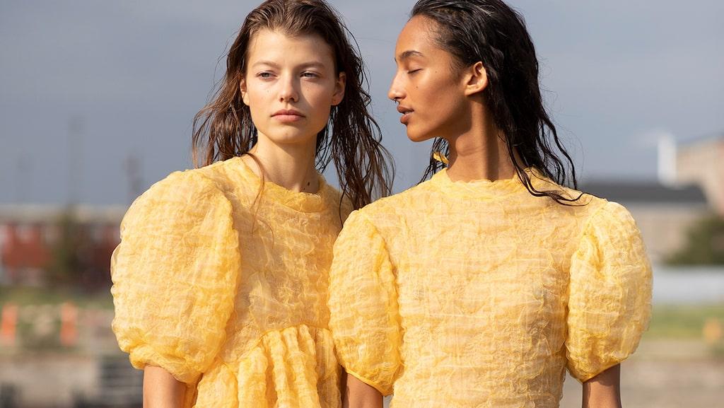 Upcycling och redesign är när man gör nya kläder av gamla textilier.
