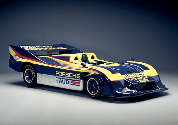 917/30 Den ultimata 917-versionen, byggd för Penske-stallet att tävla med i Can-Am 1973. 1 100 hästkrafter från en 5,4 liter stor turbomotor – Porsche vann alla deltävlingar (Mark Donohue tog sex av åtta). 917/30 kom även att röna stor framgång i europeiska Interserien. Bensintank på smått otroliga 400 liter.