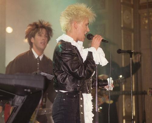 Marie Fredriksson på scen 1996.