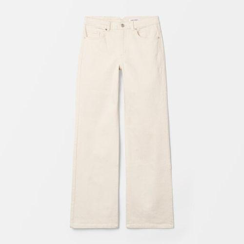 Beige jeans från Carin Wester.