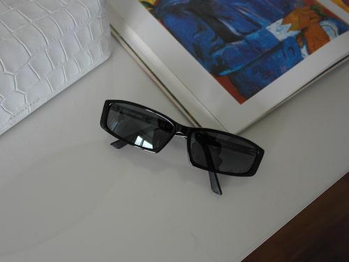 """""""Solglasögon från Balenciaga."""""""