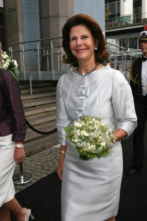 Drottning Silvia anländer tilll Polar Music Prize.