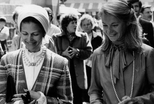 Drottning Silvia med sin pressekreterare Elisabeth Tarras-Wahlberg 1981.