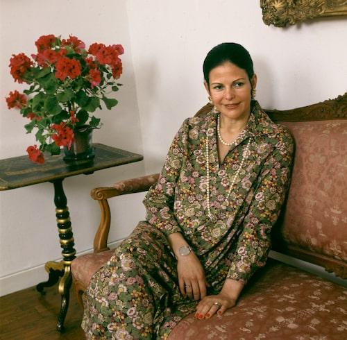 Drottning Silva, gravid i 7:e månaden, i samband med en intervju på Stockholm slott