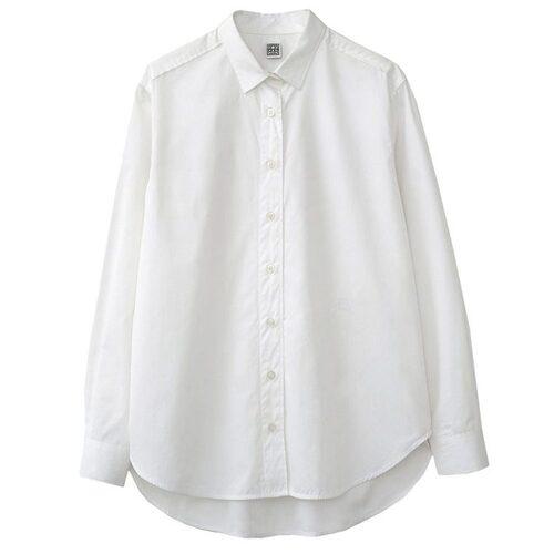 Skjorta från Totême. Klicka på bilden och kom direkt till skjortan.