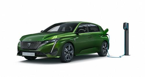Nya Peugeot 308 är laddbar, men som laddhybrid, inte elbil. Det blir dock ändring på det om ungefär två år.