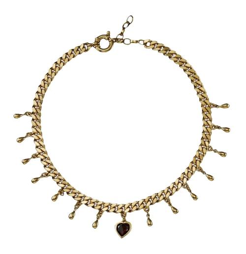 Halsband med hängen från Maria Nilsdotter. Klicka på bilden och kom direkt till halsbandet.