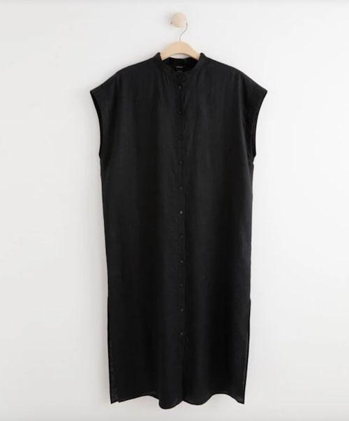 Svart skjortklänning i linne.
