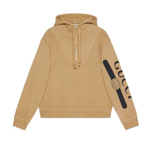 Hoodie från Gucci. Klicka på tröjan och kom direkt till hoodien.