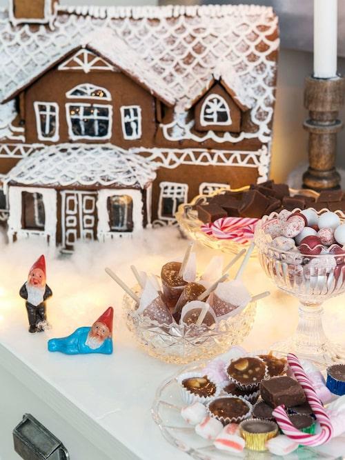 Julens praktfullaste bakverk har stora likheter med familjens eget hus.