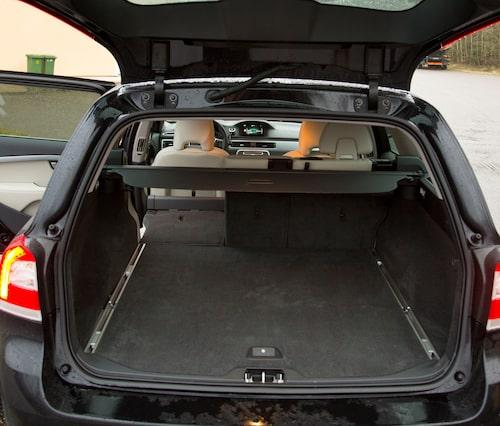 Brett och lättlastat bagage kännetecknar V70.
