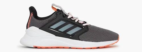 Löparskor från Adidas.