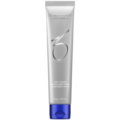 ZO Daily Sheer SPF 50 skyddar mot solens strålar och hjälper därmed till att hålla huden fräsch.