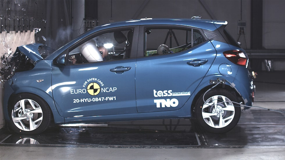 ... och Hyundai i10 var ännu längre ifrån att klara det.
