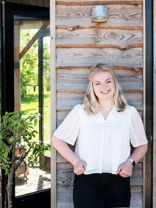17-åriga dottern Sarah samlar ofta sina kompisar i det lilla huset i familjens trädgård.