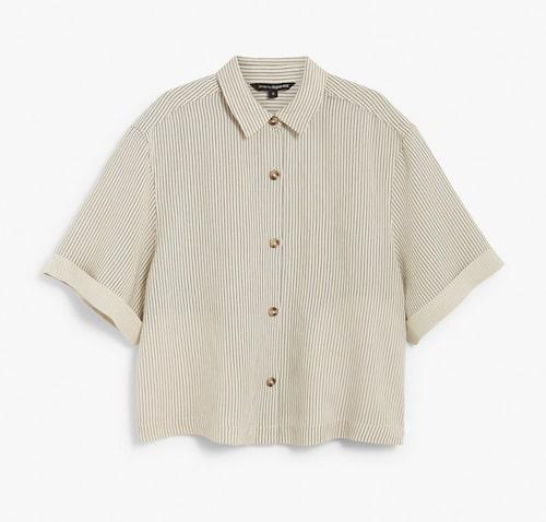 Kortärmad skjorta i linnemix från Kappahl.