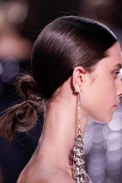 Den slarviga knuten stod i fokus på Givenchy AW19-visning.