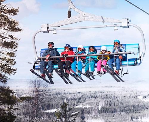 Hela familjen kan åka skidor i Kungsberget.